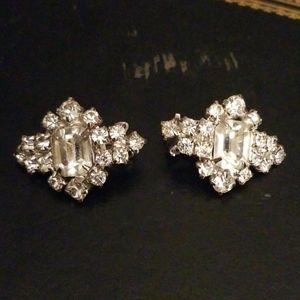 Jewelry - Vintage rhinestone earrings